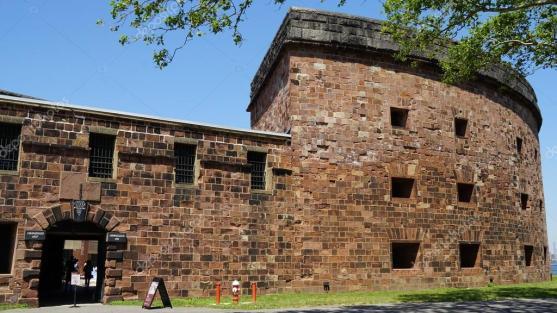depositphotos_115555596-stock-photo-castle-williams-on-governors-island